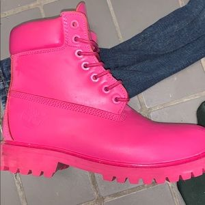 Pink timberlands 8.5w